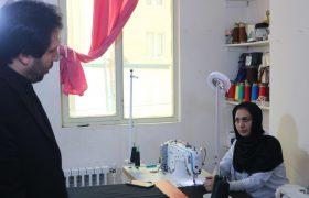 بازدید دهیار سولقان از دو کارگاه خیاطی در سولقان