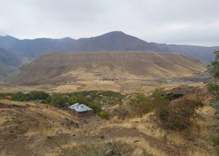 گروه کوهپیمایی یخار در کوه های روستای مزرا(امامزاده عقیل)